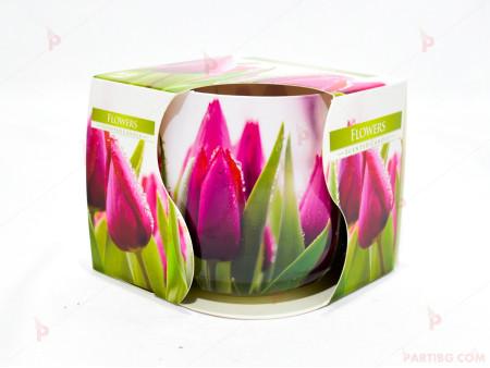 Ароматна свещ в стъклена чаша с декор/аромат лалета